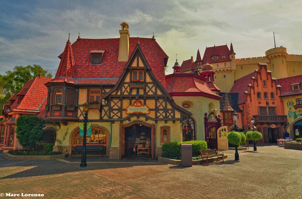 Disney Photo Fun Friday – Epcot\'s Karamell Kuche | Memory Maker Mom