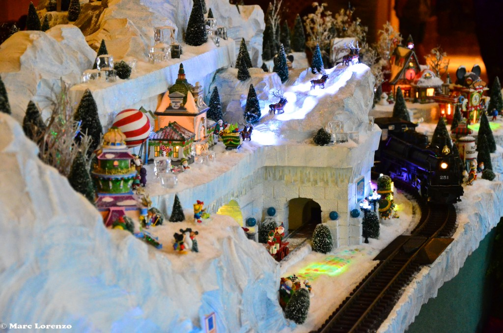 Beach Club Christmas Train 2 (1)