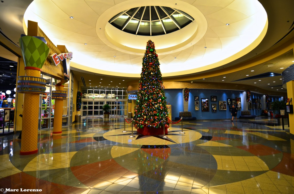 Pop Century Christmas Tree 1 (1)