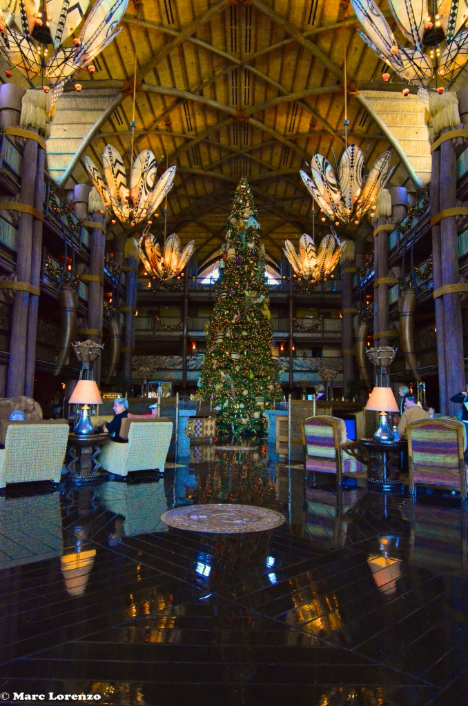 The Animal Kingdom Lodge Christmas Tree 2 (1)