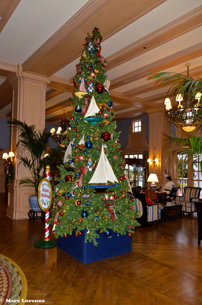 Yacht Club Lobby Christmas Tree (1)