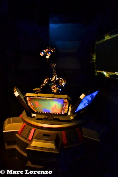 Star Tours Robot